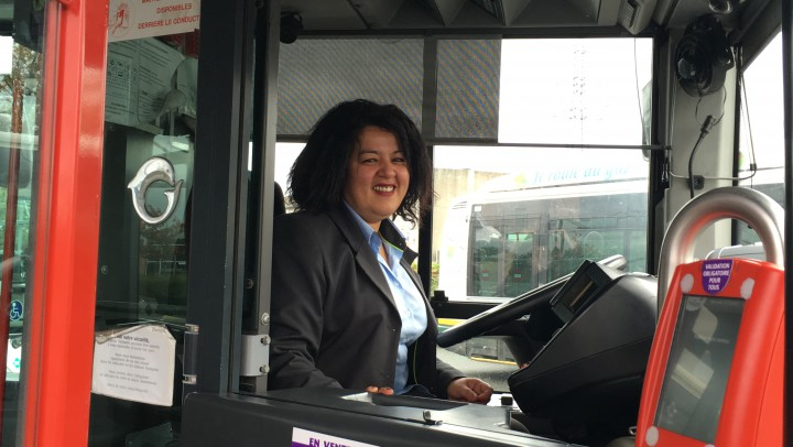Portrait d'un collaborateur Transpole : Jamila, conductrice de bus